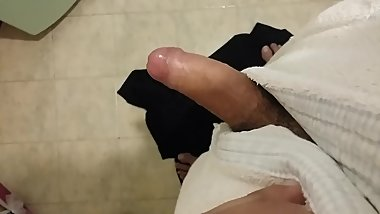 Show My cock after showEr in bathroom