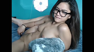 Pinay webcam model being a tease