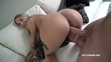 BLONDE HOTTIE WITH TATTOOS FUCKS ME AFTER CASTING