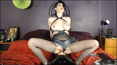 Horny girl big squirting orgasm on the sybian live on cam