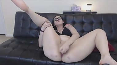 Curvy brunette with big booty masturbates