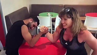 BNig Muscles woman wins Armwrestling.