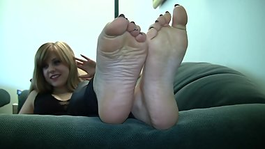 Rose's Candid Stinky Soles (With Sound)