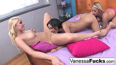 3-way lesbian fun between hot friends