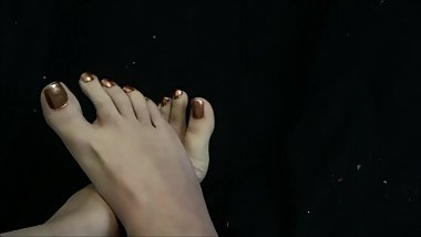 Sexy Toe Spreading and Crunching Long Toe Foot Fetish