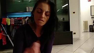 Teen Girlfriend gives Boyfriend epic Handjob and Blowjob